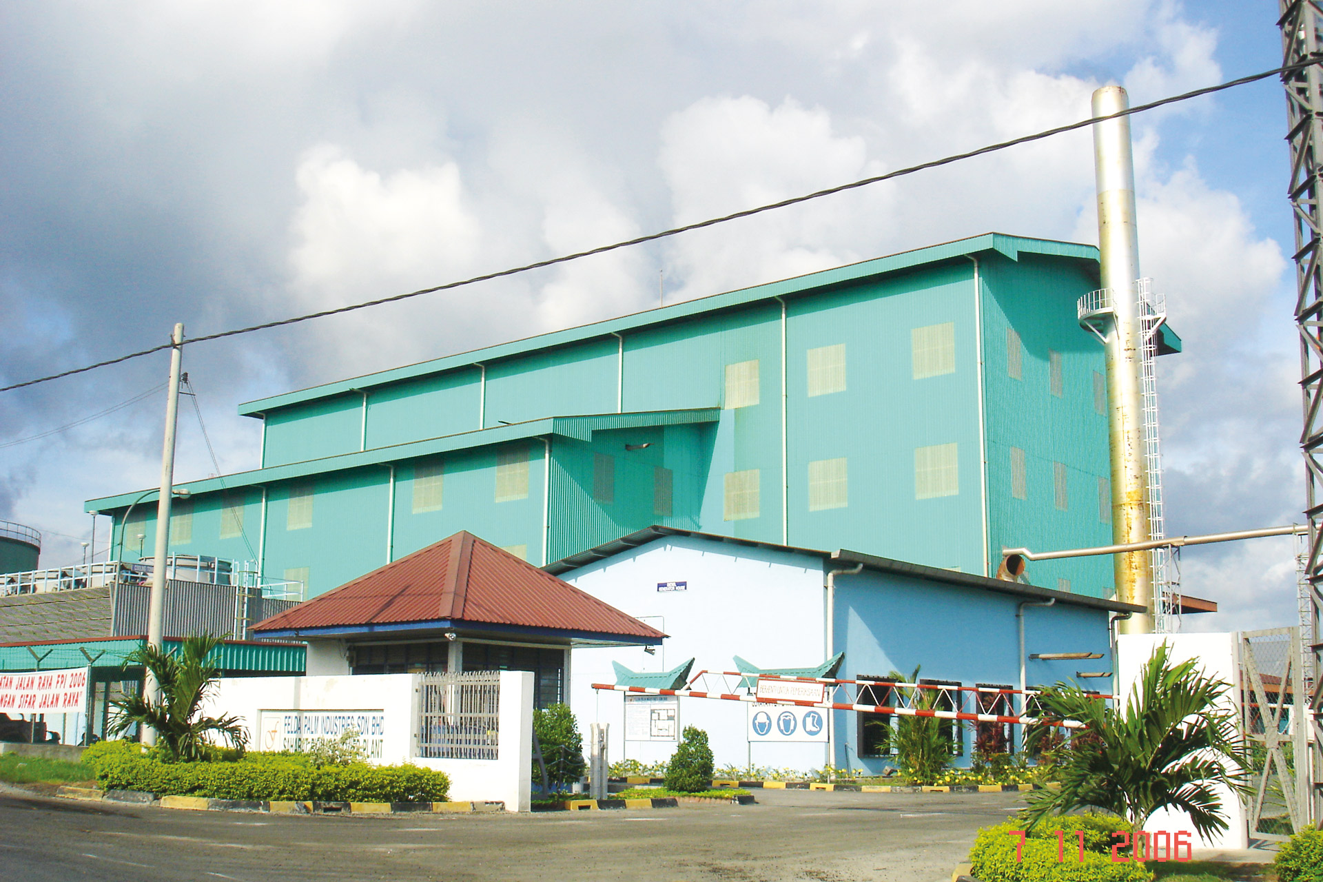 Sahabat, Malaysia Fuel: Empty Fruit Bunch  Capacity: 7.5 MW, 50tons/hr boiler @37 bar(g), 435oC with water-cooled step grate