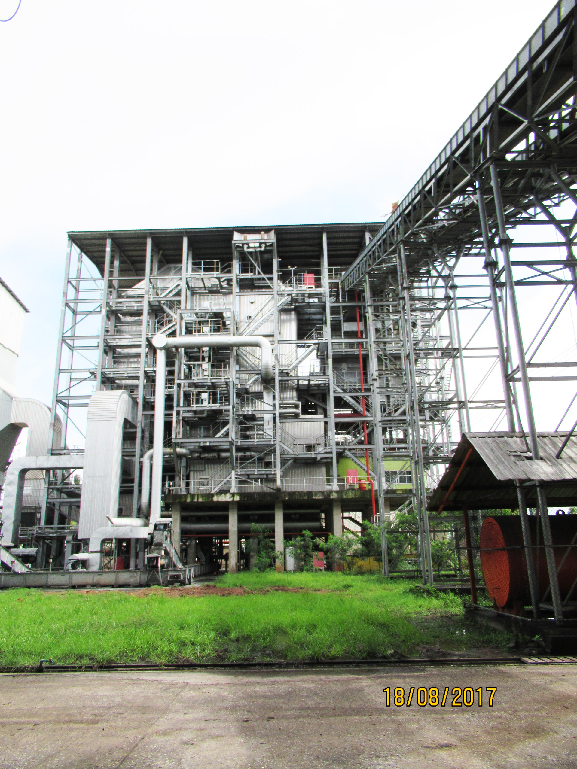 Udon Thani, Thailand Fuel: Rice Husk and Woodchips  Capacity: 9.9 MW, 50tons/hr boiler @ 97 bar(g), 520oC with step grate